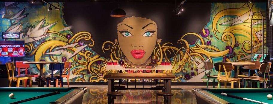 Las Vegas has the perfect locations for enjoying libations, bar none. Image