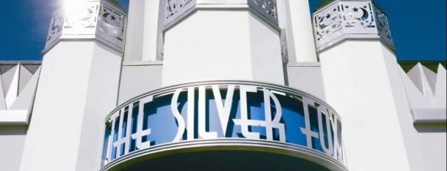 5 Must Visit Restaurants & Bars in Long Beach, California Image